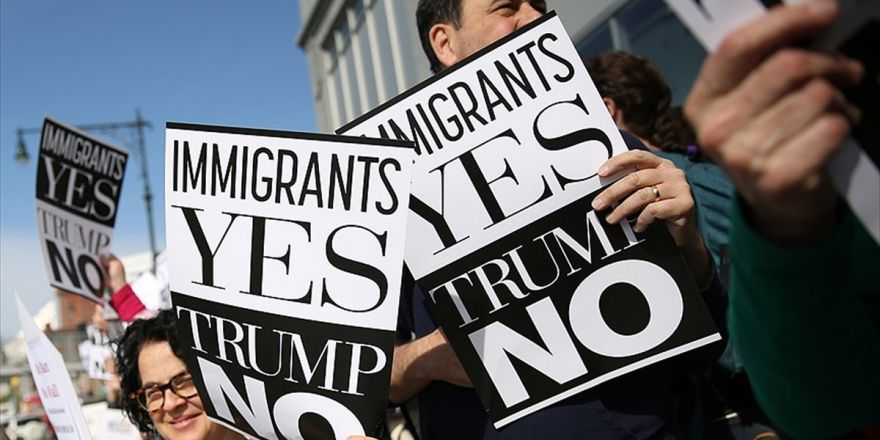 Trump'a Başkanlığı Döneminin İlk New York Ziyaretinde Protesto