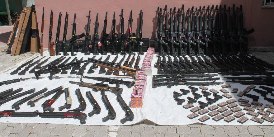 Konya'da 750 bin liralık kaçak silah ele geçirildi