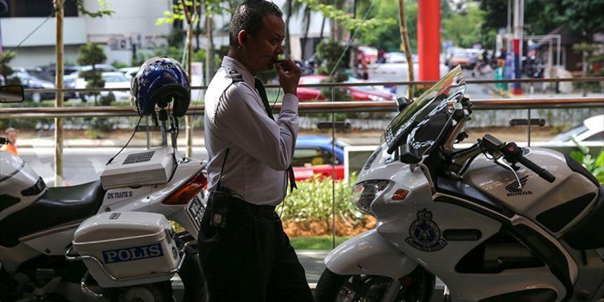 Malezya'da Fetö Elebaşlarından İsmet Özçelik Gözaltına Alındı