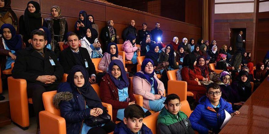 Öğrencilerden Meclise Yoğun İlgi