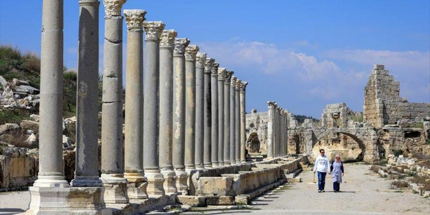 Türkiye'nin İkinci Zeugması: Perge Mozaikleri