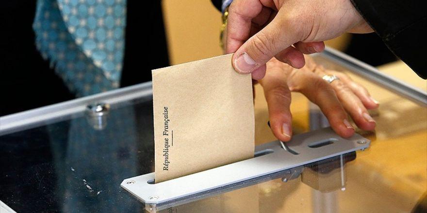 Fransa'da Halk Cumhurbaşkanı Seçimi İçin Sandık Başında