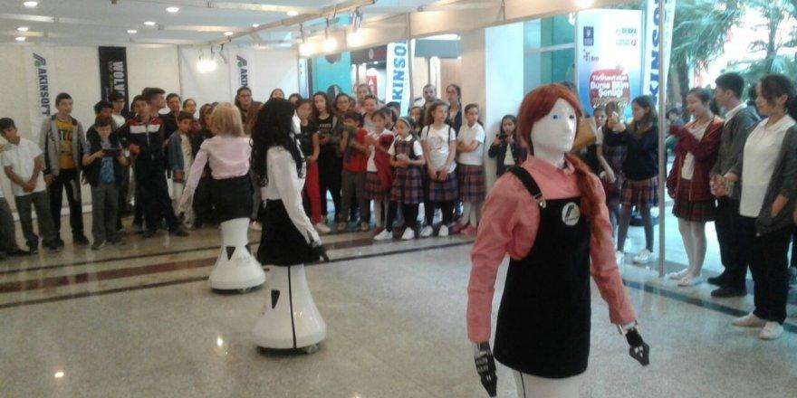 Robot Hostes Ada Bursa'da
