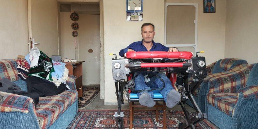 """Engelli Ve Yatalak Hastalar İçin """"Robotik Sandalye"""" Yaptı"""