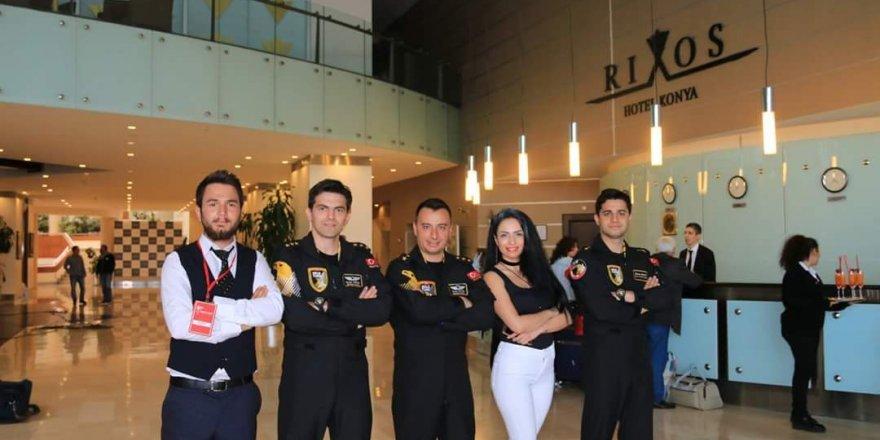 Özlem Aydoğdu Solo Türk ekibi ile