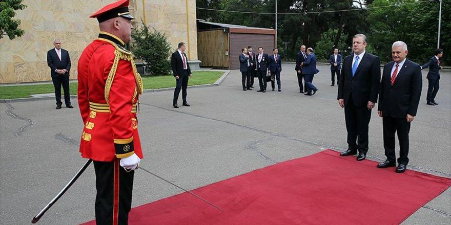 Başbakan Yıldırım Gürcistan'da Resmi Törenle Karşılandı