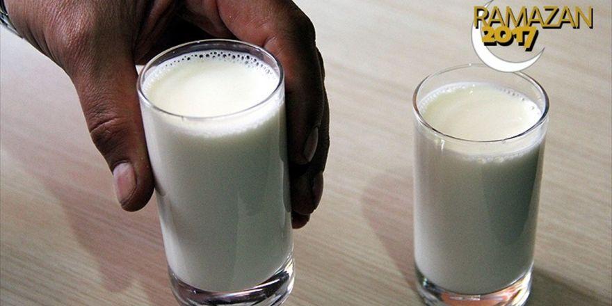'Şeker Hastaları İftar Ve Sahur Arasında Bol Süt Tüketilmeli'
