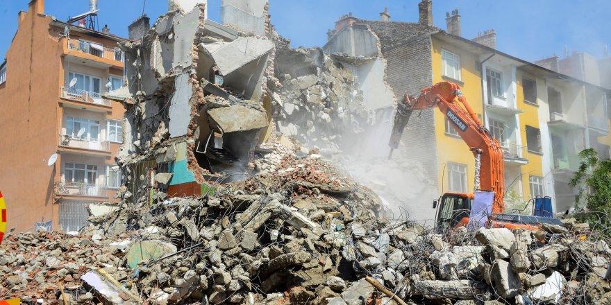 Larende Yokuşu'nda yıkımlar başladı