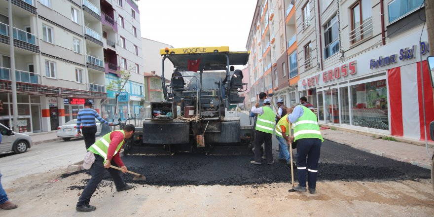 Beyşehir'in ana caddeleri asfaltlanıyor