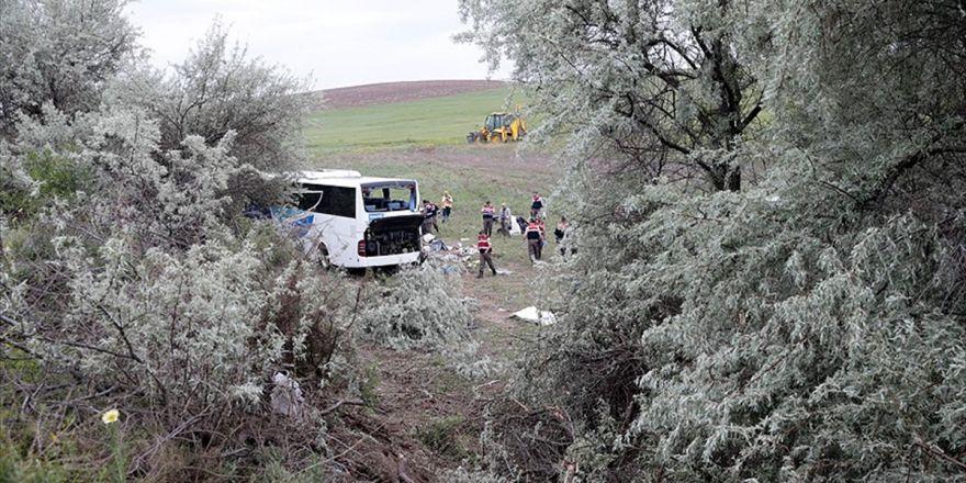 Ankara'da Yolcu Otobüsü Devrildi: 8 Ölü, 34 Yaralı