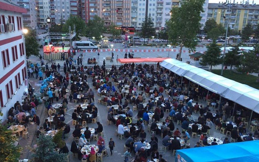 Seydişehir Belediyesi'nden Ramazan ayı boyunca 2 bin kişiye iftar yemeği