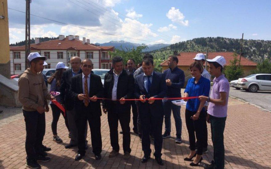 Derebucak'ta bilim fuarı açıldı