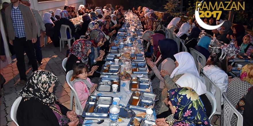 Amasya'da Şehit Babası İftar Verdi