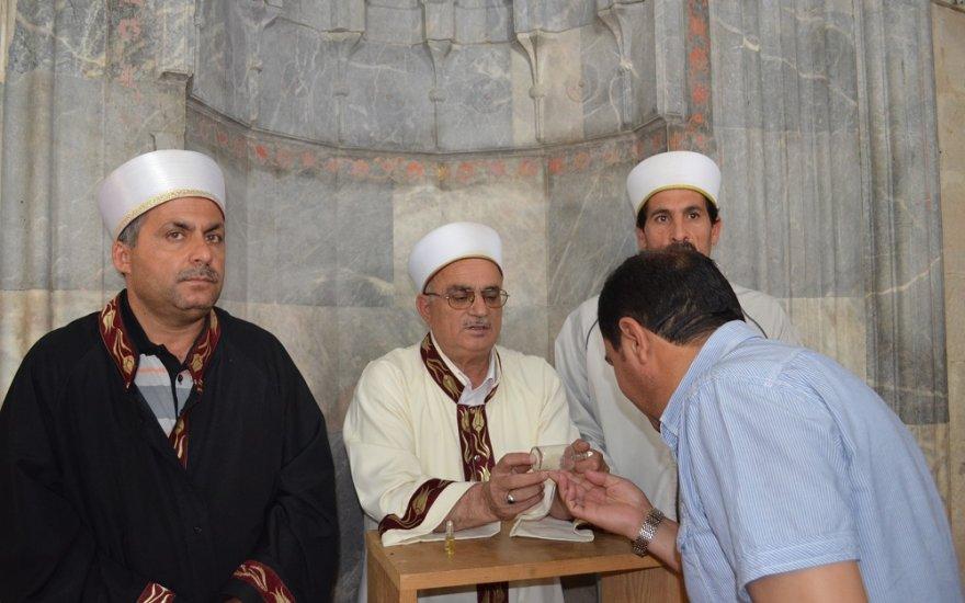 Ilgın'da ziyarete açılan Sakal-ı Şerif'e yoğun ilgi