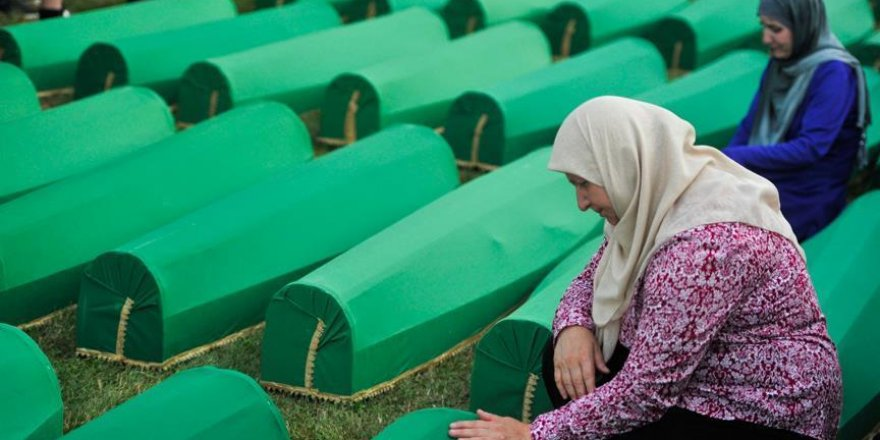 Srebrenitsalı savaş mağdurlarından Hollanda kararına tepki