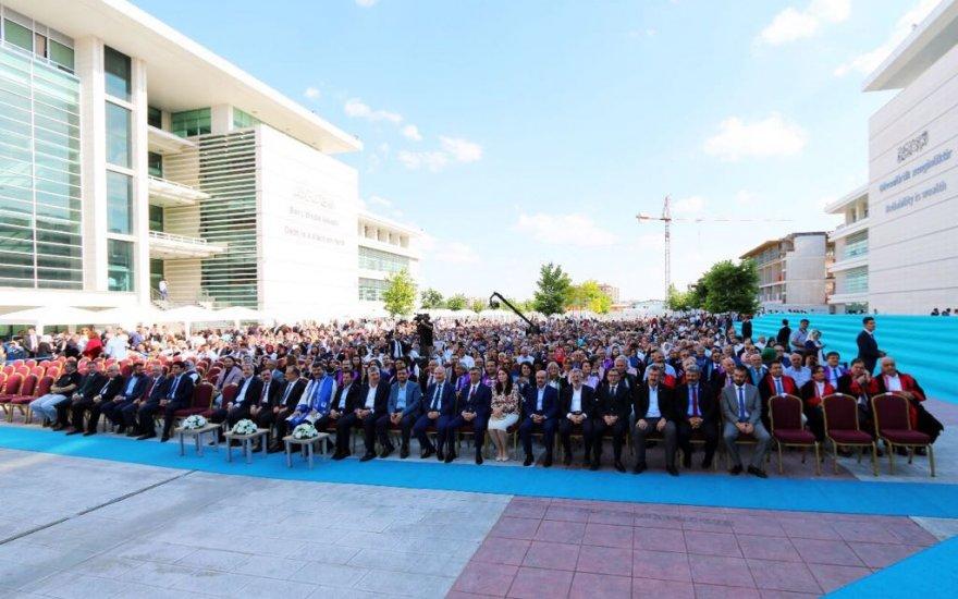 KTO Karatay Üniversitesi'nde mezuniyet heyecanı
