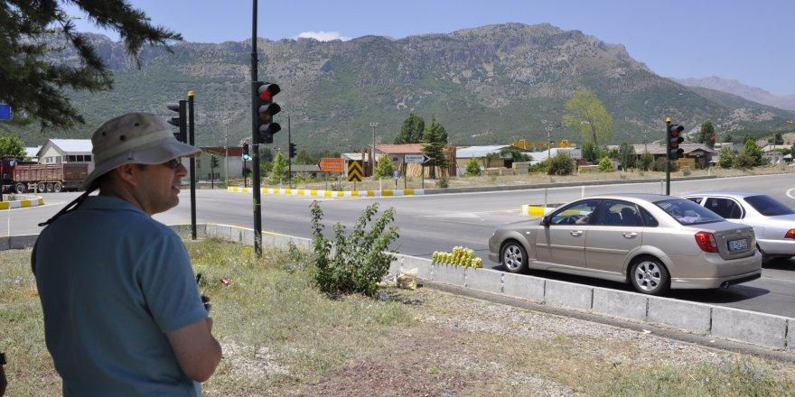 Işık ihlaline sivil trafik polisi ve kameralı denetim