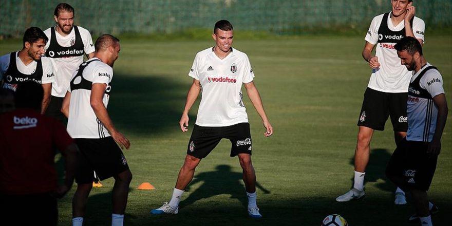 Beşiktaş'ın Yeni Transferi Pepe Takımla İlk Antrenmana Çıktı