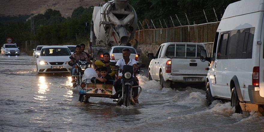 Patlayan Su Şebekesi Mardinlilere Zor Anlar Yaşattı