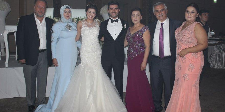 Nezih Dağdeviren oğlunu evlendirdi