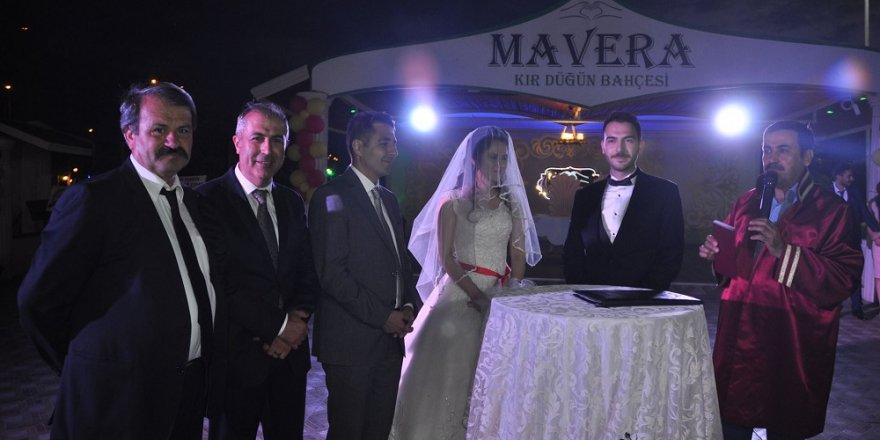 """Ülkü Türkay ve Murat Halis mutluluğa """"Evet"""" dedi"""