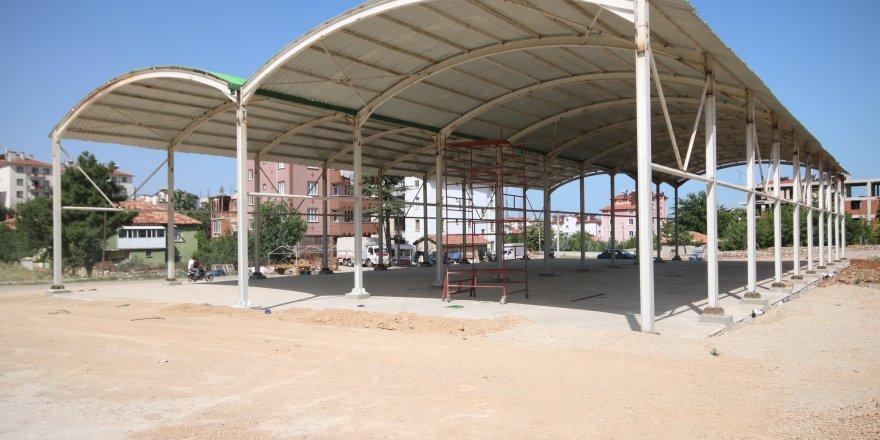 Beyşehir'de Esentepe Semt Pazarı'nın Üzeri Kapatıldı
