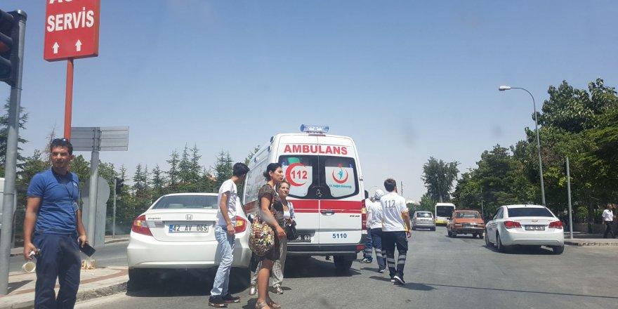 Konya'da ambulansla araç çarpıştı
