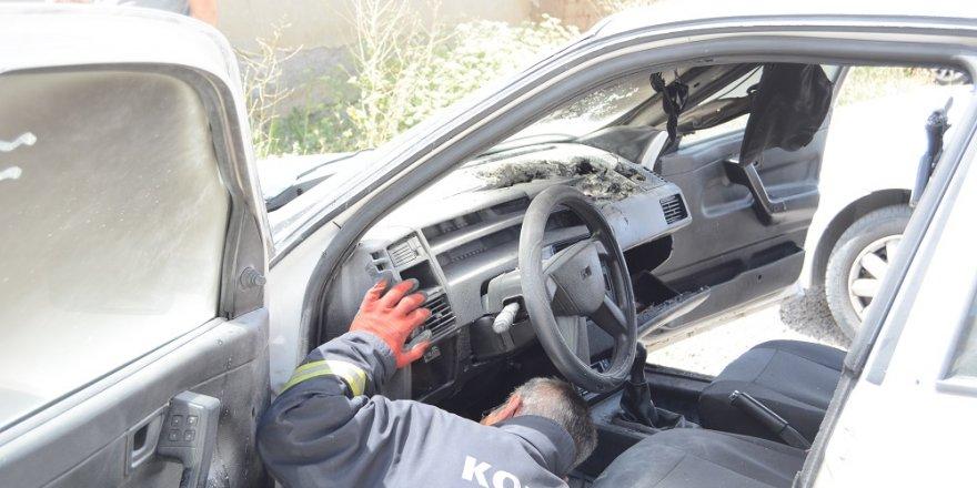 Otomobilde Unutulan Cep Telefonu Yangın Çıkardı