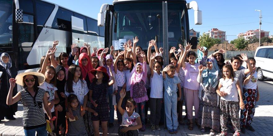 Bilgehanelerdeki Kız Öğrencilere Yaz Kampı