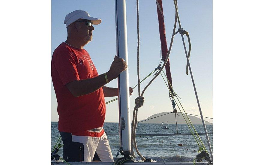 Ahmet Keresteci ufka yelken açmış