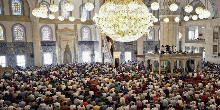 Cuma Hutbesi: Rahman'a Has Kul Olabilmek