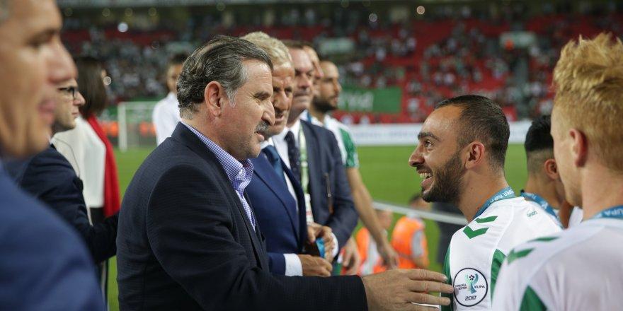 Bakan Osman Aşkın Bak, Atiker Konyaspor'u tebrik etti