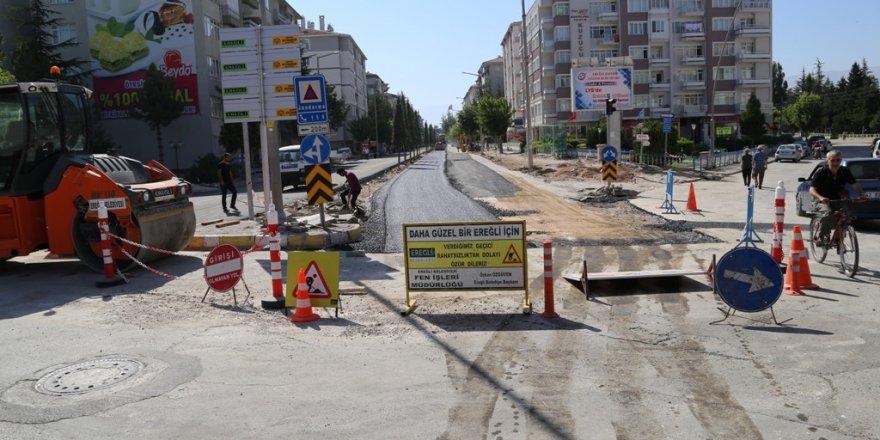 Ereğli'de İstasyon Caddesi'ne yol ve kaldırım düzenlemesi