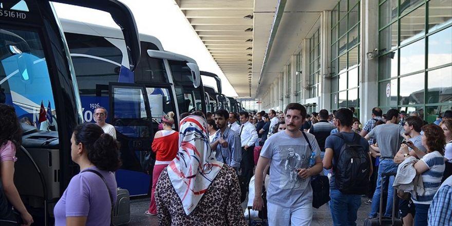 'Otobüs Biletlerinin Yüzde 80'i Tükendi'