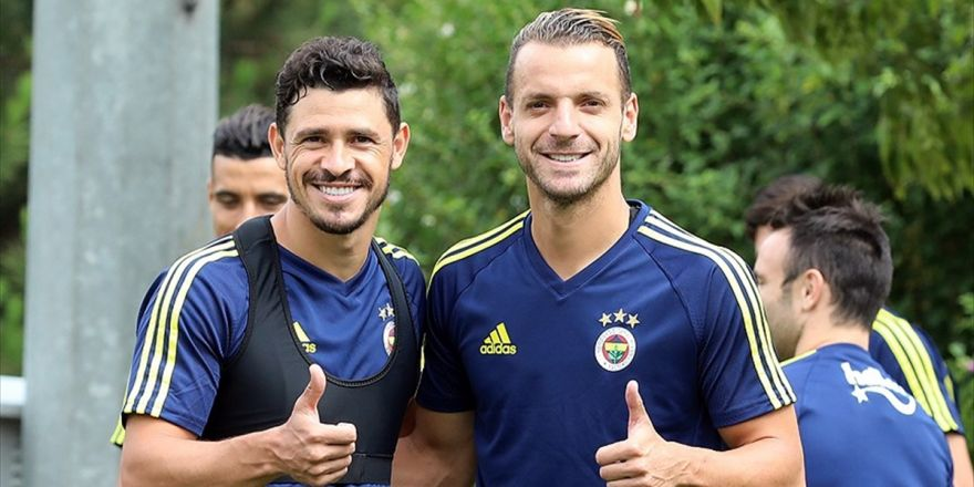 Fenerbahçe Yeni Transferlerini Basına Tanıtacak