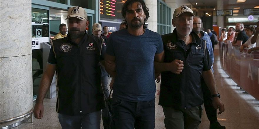 Antalya'da Yakalanan Fetö'cü Eski Yarbay Ankara'ya Götürüldü