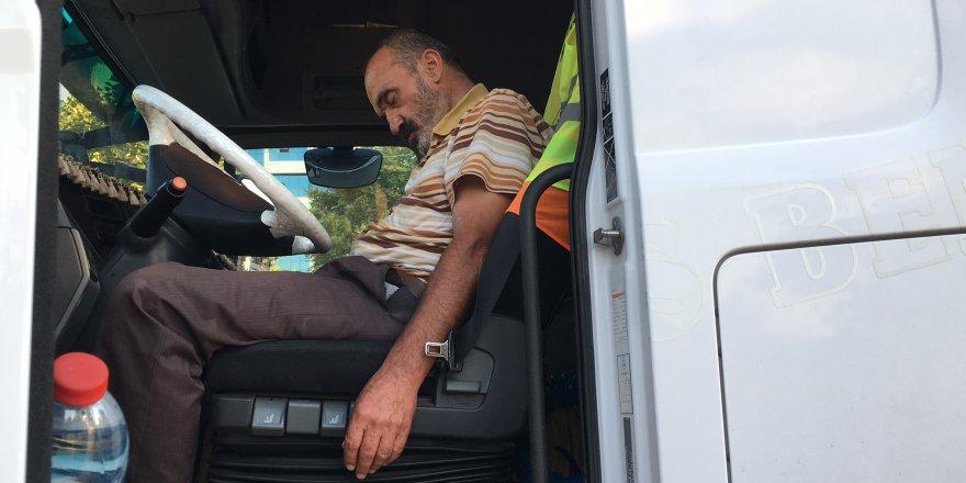 Alkollü Tır Sürücüsü Yol Ortasında Uyuyakaldı