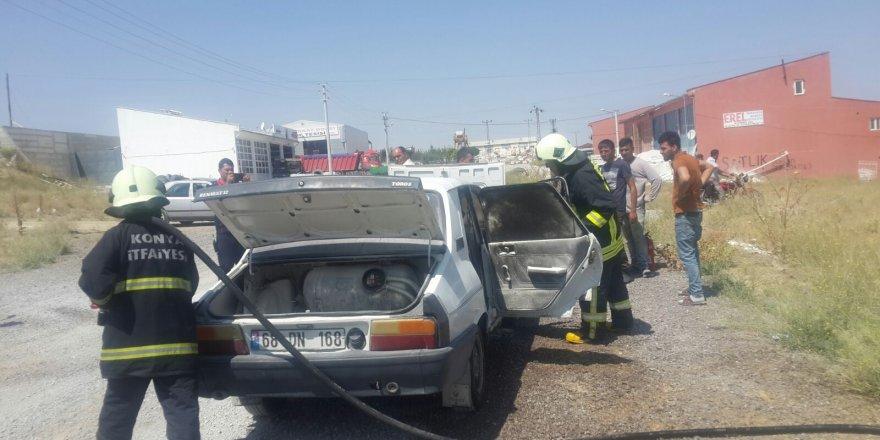 Konya'da Seyir Halindeki İki Araçta Yangın Çıktı