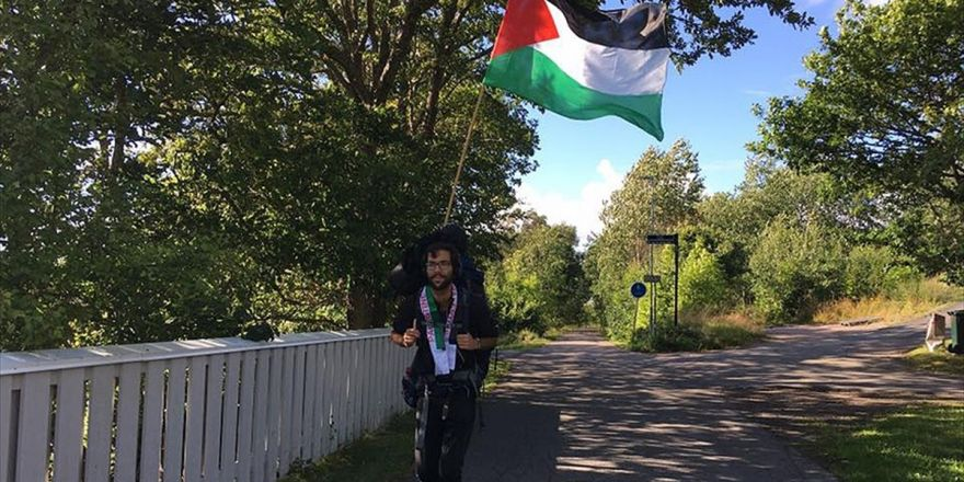 Yahudi Aktivist, İsrail Zulmüne Karşı Filistin'e Yürüyor