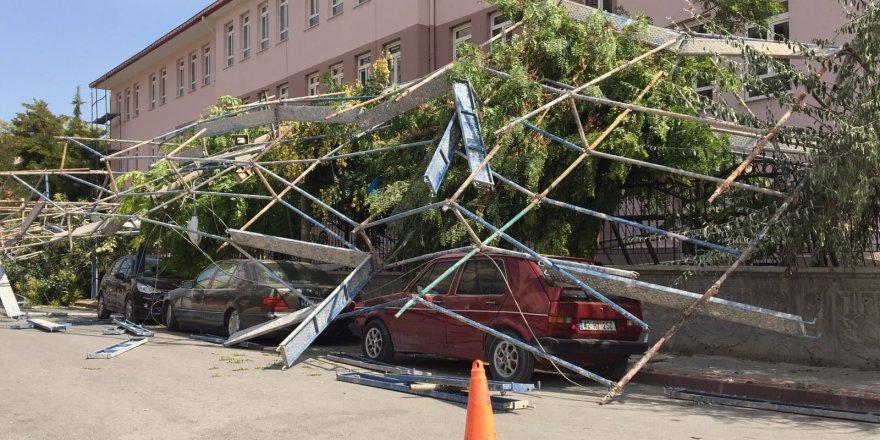 Konya'da İnşaat İskelesi Çöktü