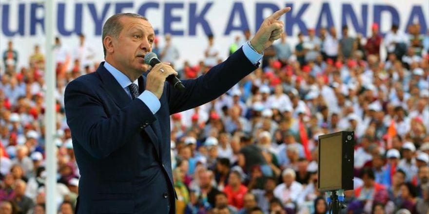 """""""Sen Kimsin Ki Türkiye'nin Cumhurbaşkanına Konuşuyorsun"""""""