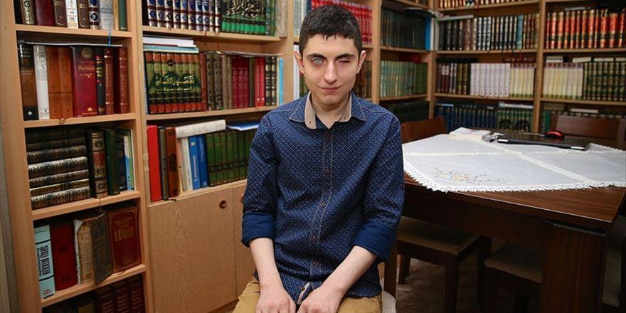 Görme Engelli Huzeyfe, Hukuk Fakültesi Kazanmanın Mutluluğunu Yaşıyor