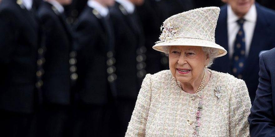 Kraliçe 2. Elizabeth'in Tahtı Bırakacağı İddiası Yalanlandı
