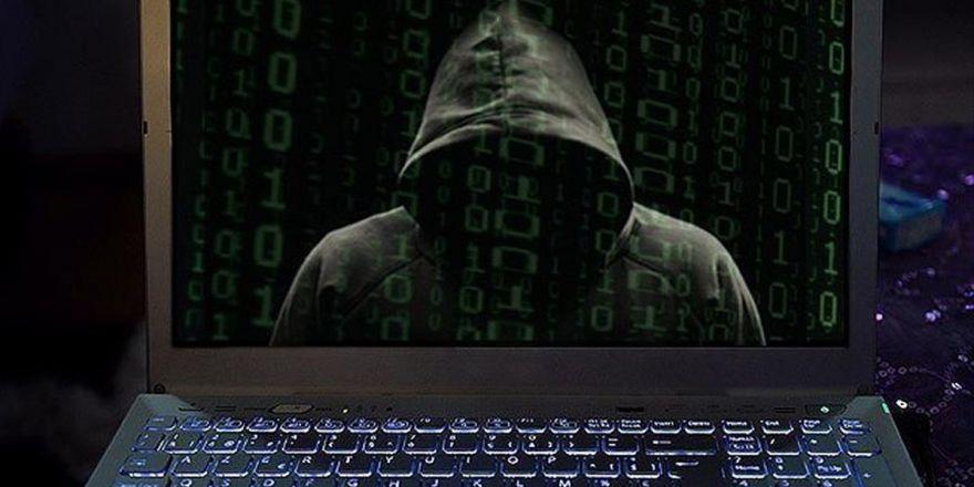 Bilgisayar Korsanları 'Mavi Tik'i Yem Olarak Kullanıyor