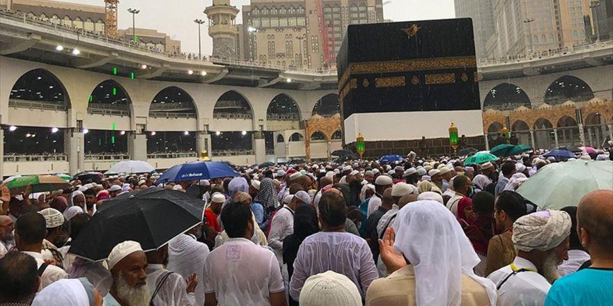 Kabe'de Yağmur Sevinci