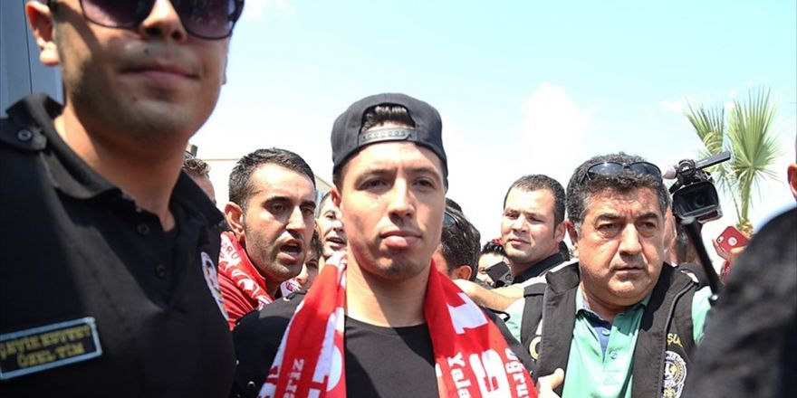 Antalyaspor, Nasri'yle İlgili Video Yayımladı