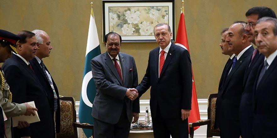Erdoğan, Pakistan Cumhurbaşkanı Hüseyin İle Görüştü