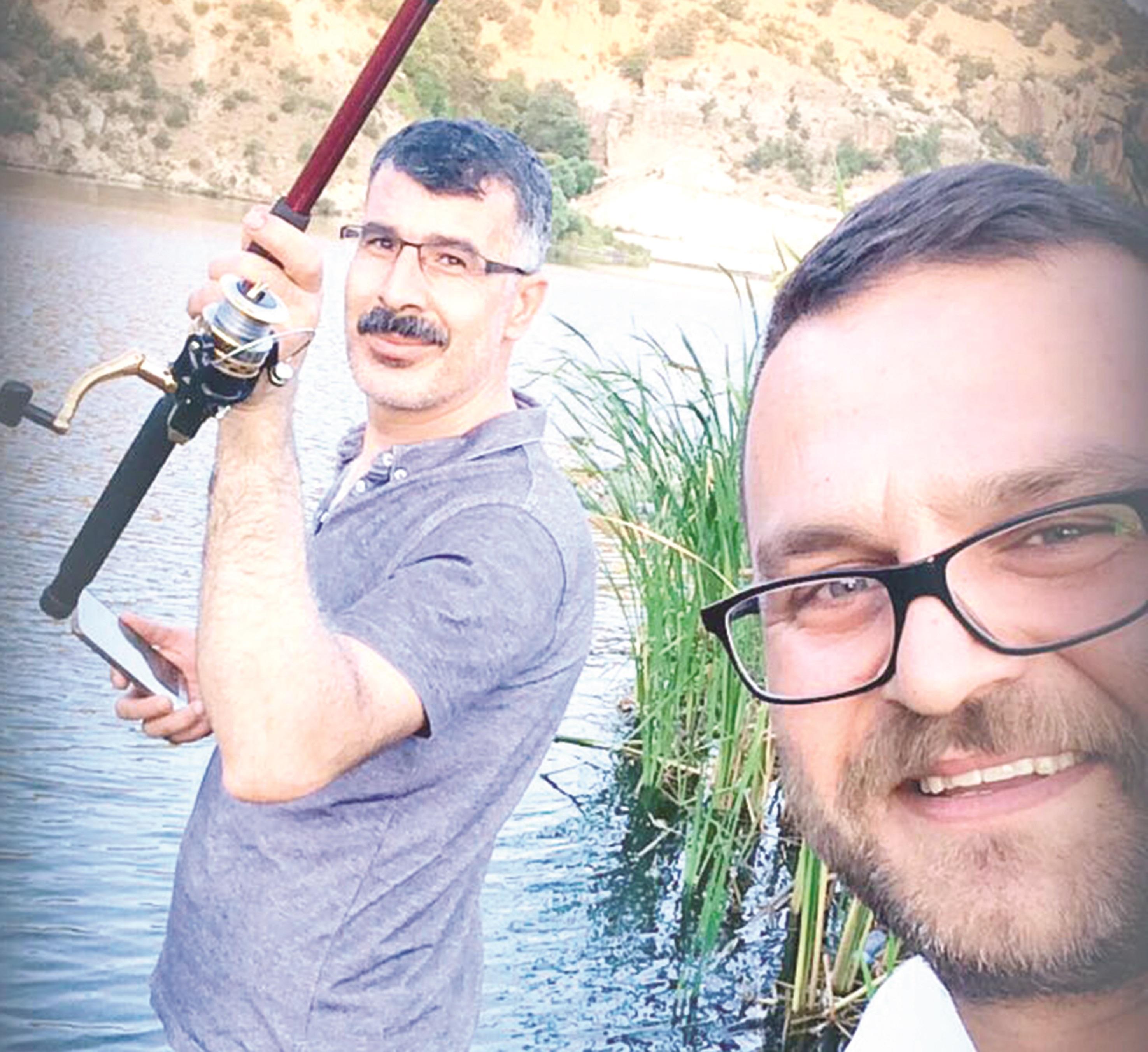 Ömer Turgut Çelik ile Ayhan Kösedağ'ın balık keyfi