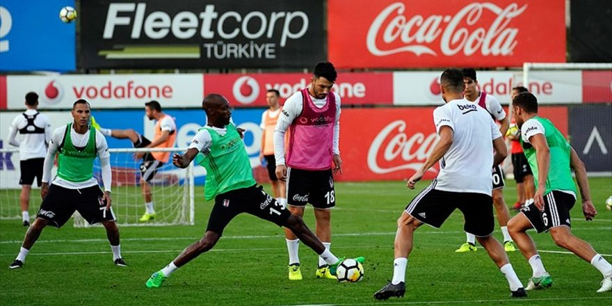 """Beşiktaşlı Futbolcular Derbide """"Siftah"""" Peşinde"""