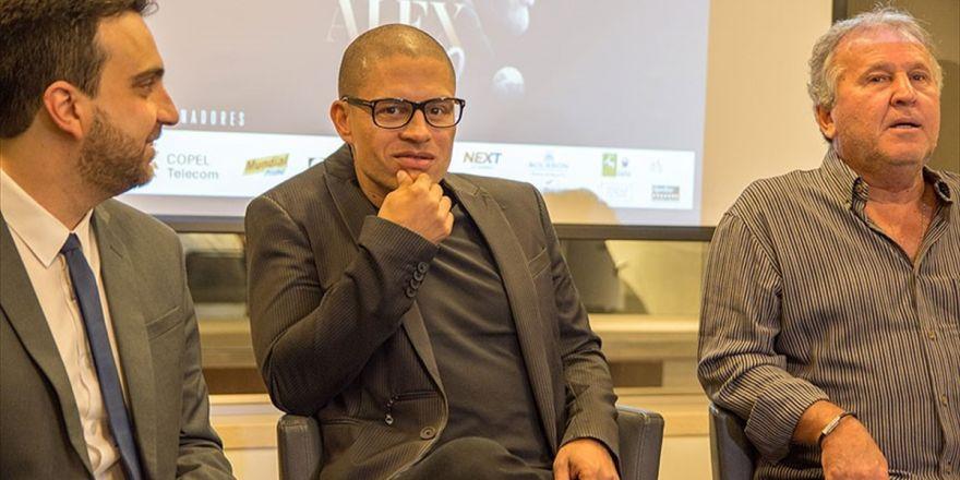 Fenerbahçe'nin Eski Futbolcusu Alex: Aykut Kocaman Hayatımı Değiştirdi